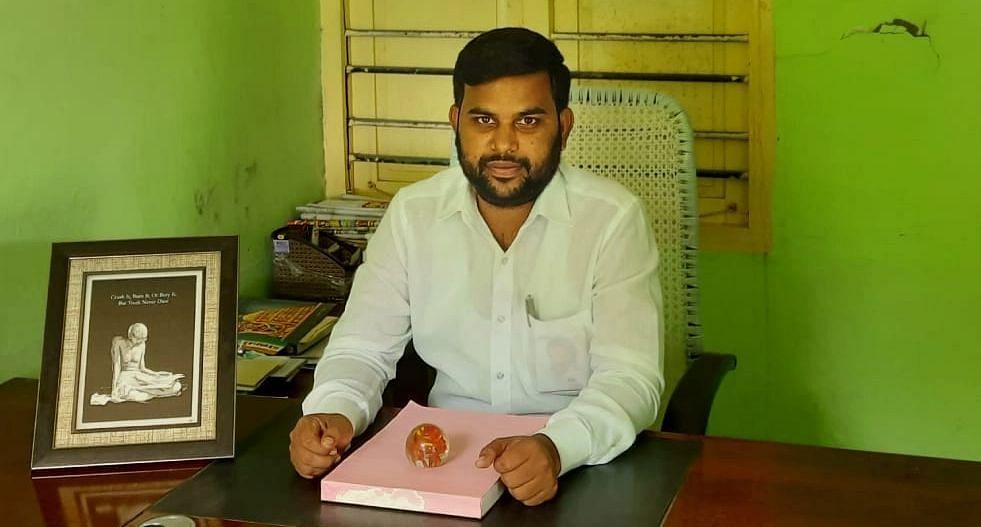 ஊராட்சி மன்றத் தலைவர் சுப்புராமன்
