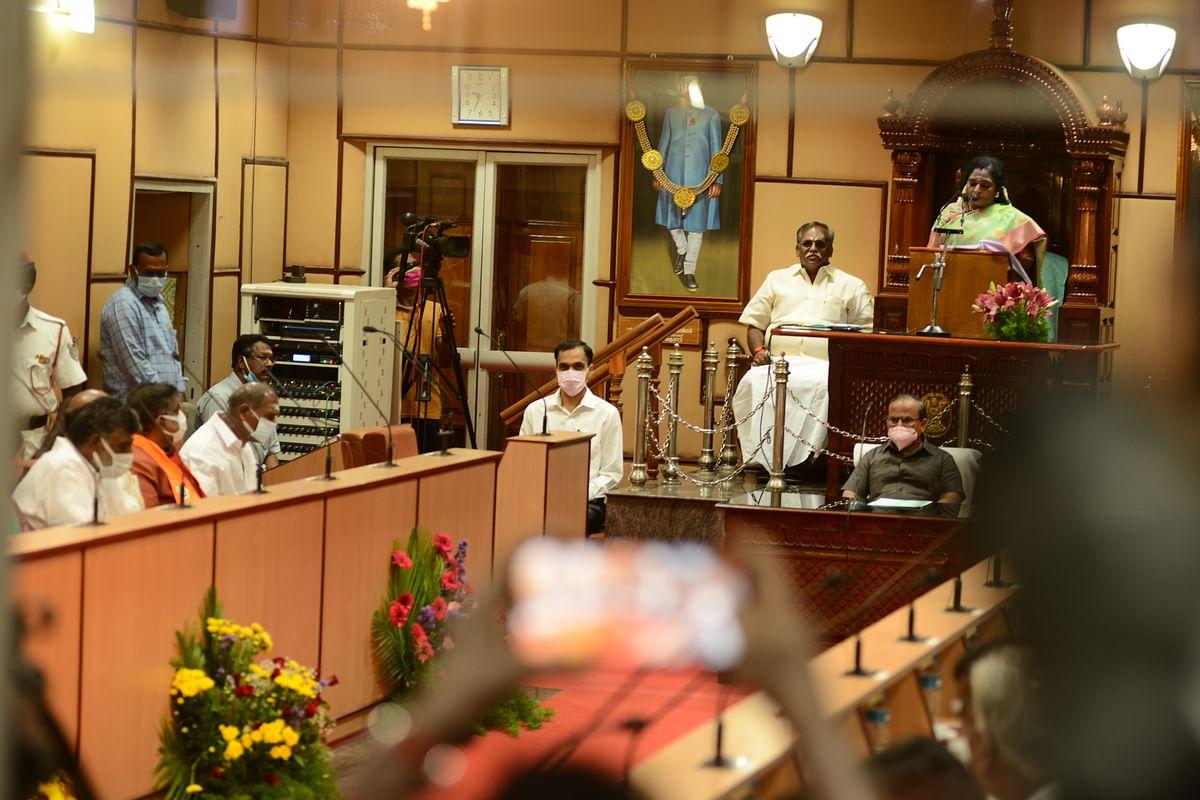 2021-22 நிதியாண்டுக்கான பட்ஜெட்டை தாக்கல் செய்கிறார் முதல்வர் ரங்கசாமி