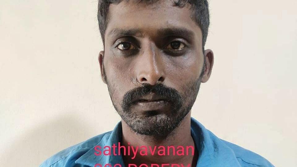 காவல் நிலையத்தில் உயிரிழந்த சத்தியவான்