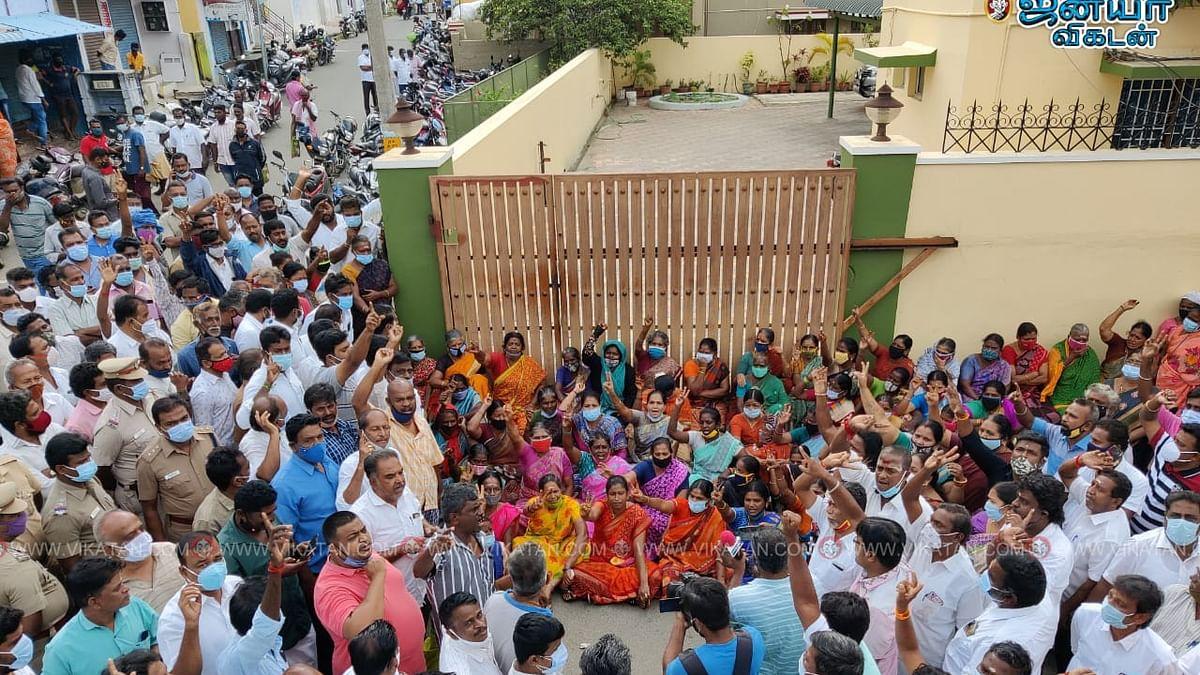 கோவை எஸ்.பி.வேலுமணி வீடு