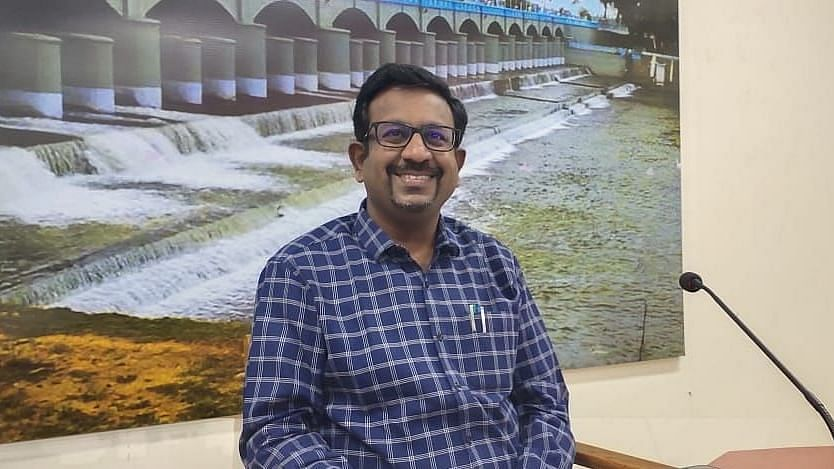 தஞ்சை ஆட்சியர் தினேஷ் பொன்ராஜ் ஆலிவர்