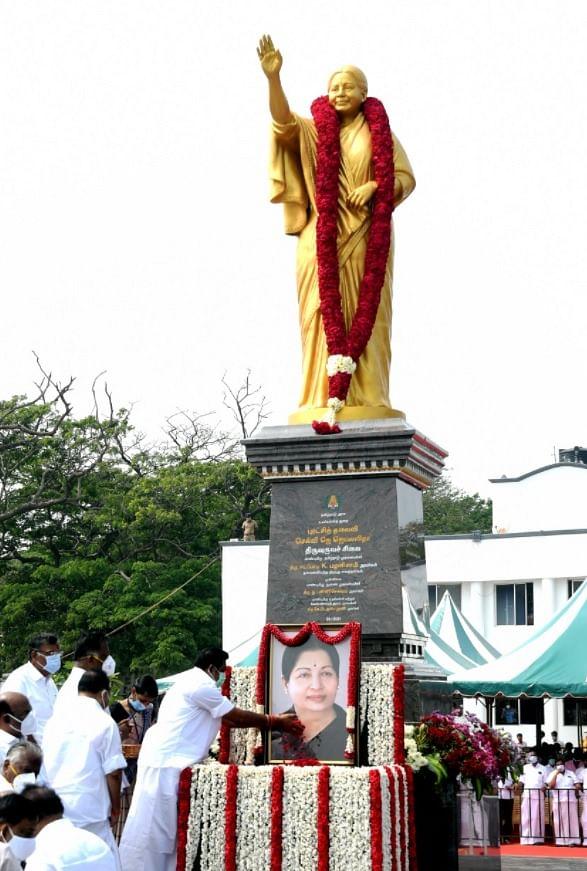 ஜெயலலிதா சிலையைத் திறந்து வைத்த எடப்பாடி பழனிசாமி