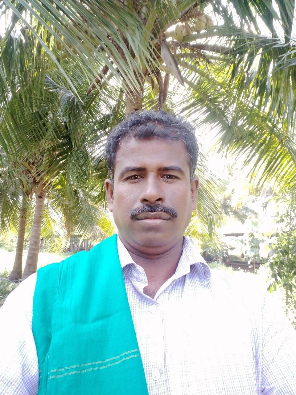 விவசாயி ஜெயக்குமார்
