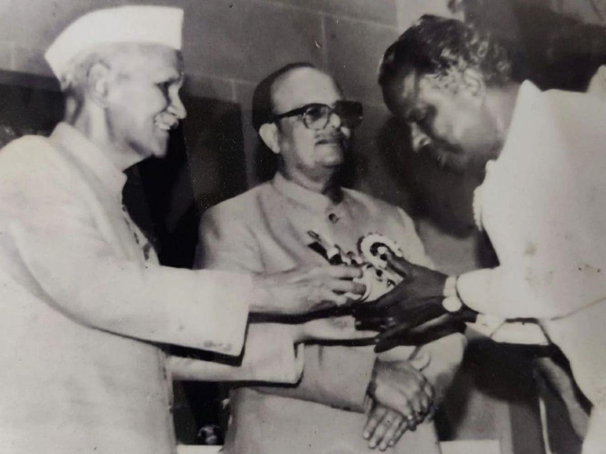 இது வாத்தியார்களின் வீடு... ஒரே குடும்பத்தில் 7 ஆசிரியர்கள்; அதில் 3 பேருக்கு நல்லாசிரியர் விருது!