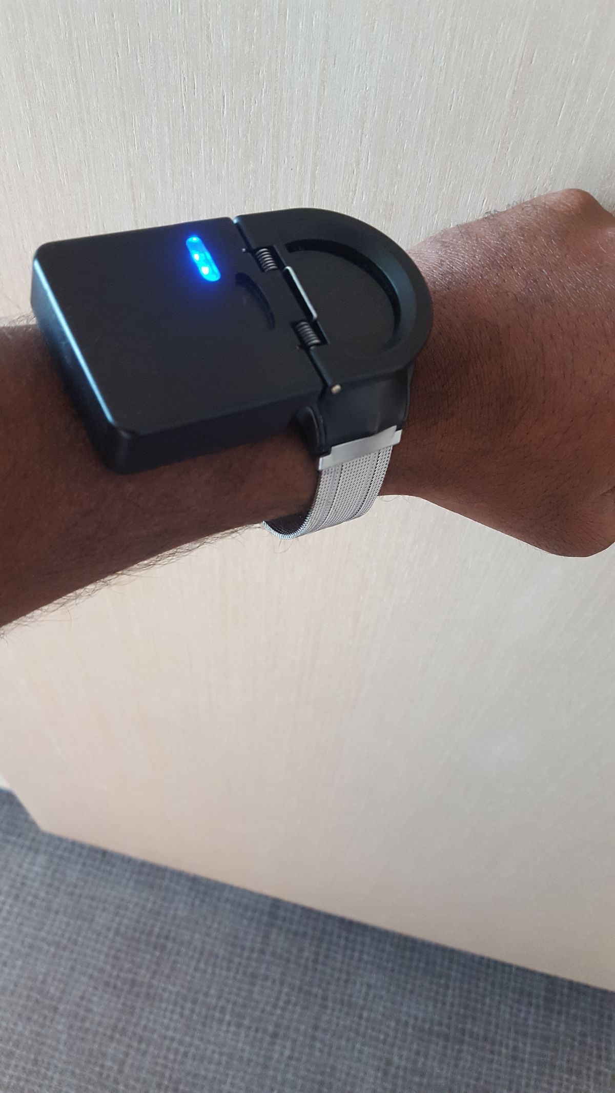 Watch with power bank