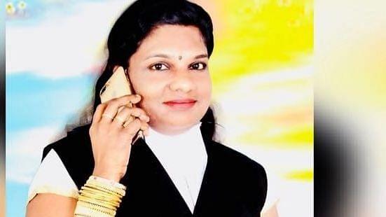 மோசடி வழக்கில் கைதான  ஸ்டெபி