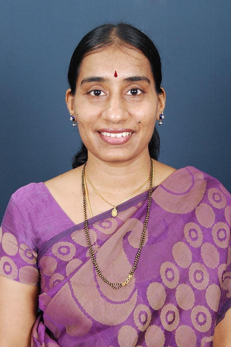 சிறப்பு மருத்துவர் வசுமதி வேதாந்தம்