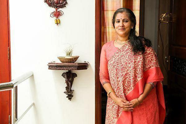 பாடகி சுனந்தா