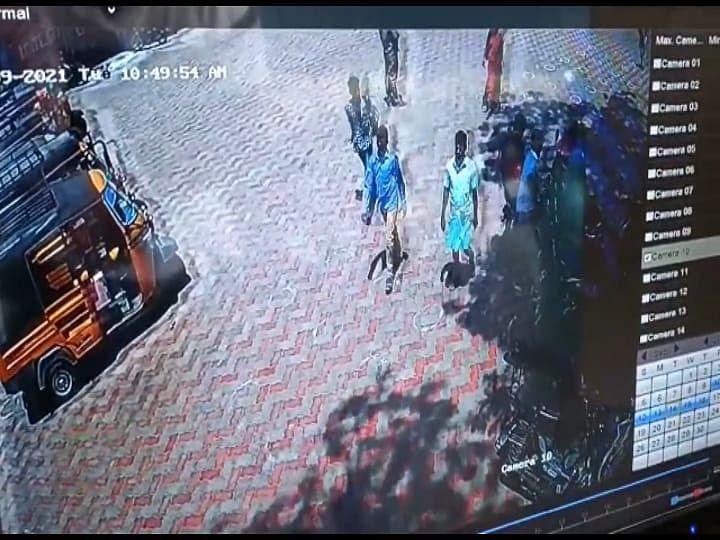 காஞ்சிபுரம் முருகனை அழைத்துச் செல்லும் மேல ஈரால் முருகன்