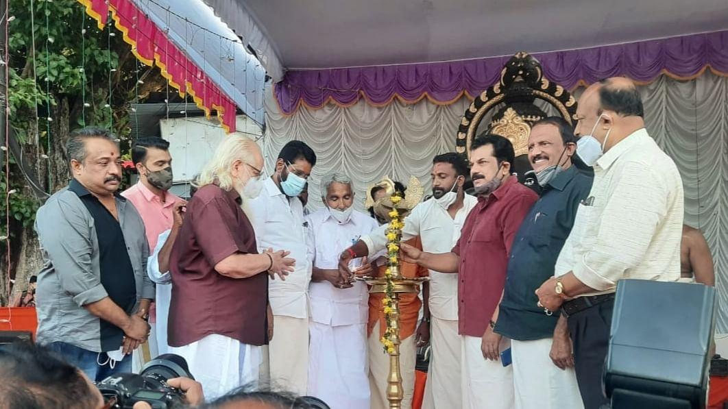 விநாயகர் சதுர்த்தி விழாவில் கலந்துகொண்ட உம்மன் சாண்டி