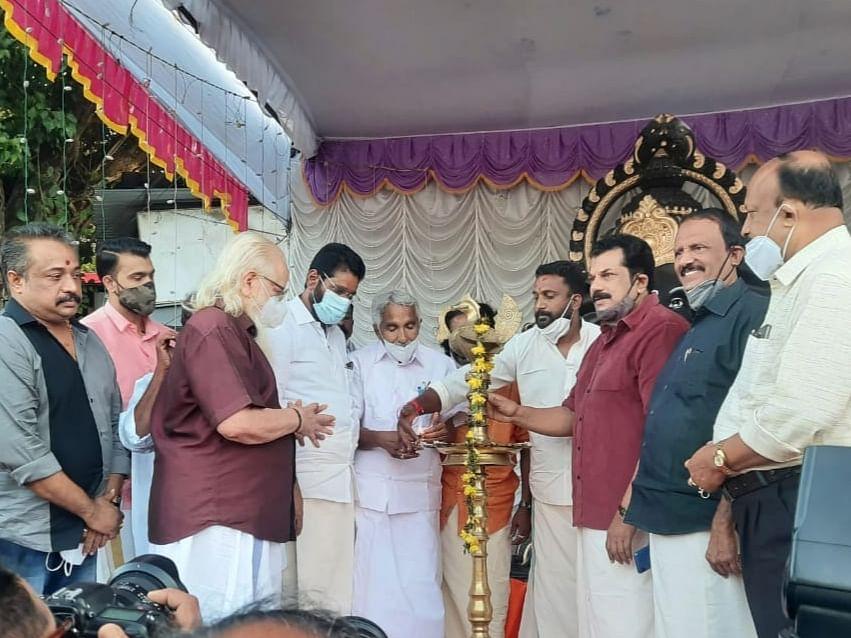 `தமிழகத்தில் விநாயகர் சதுர்த்தி அரசியல் ஆக்கப்பட்டுவிட்டது; கேரளாவில் அப்படியில்லை!' -சிவசேனா தலைவர்