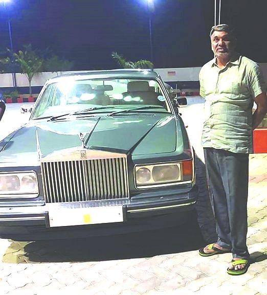 ரோல்ஸ் ராய்ஸ் காருடன் வீரமணி