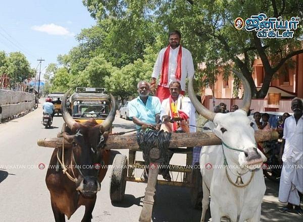 வேட்புமனு தாக்கல் செய்த கார்த்திக்