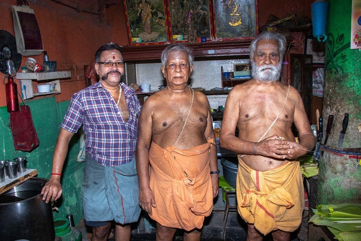 வெங்கடேச பவன் கடையின் உரிமையாளர்கள்