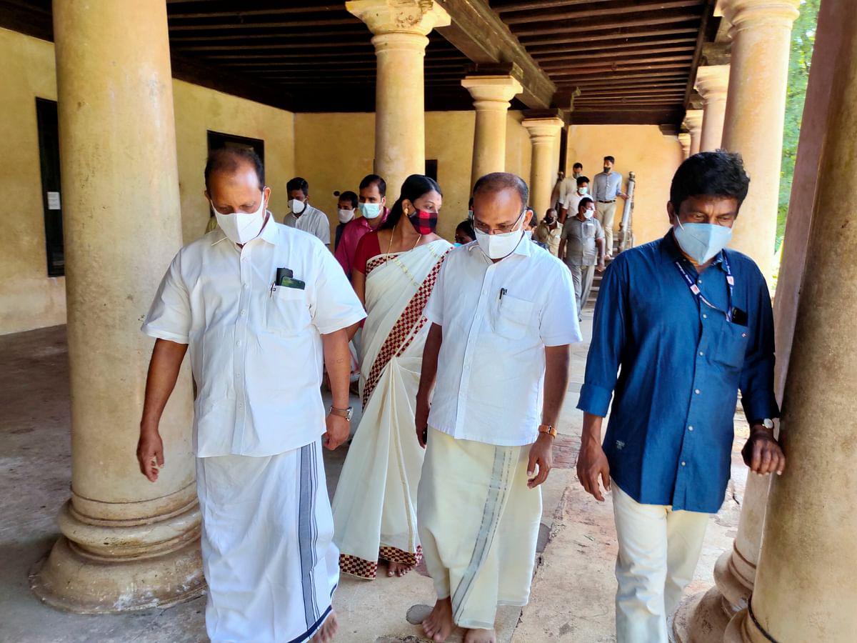 பத்மநாபபுரம் அரண்மனையில் கேரள அமைச்சர் ஆய்வு