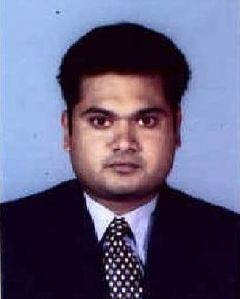 அரசியல் விமர்சகர் ரவி