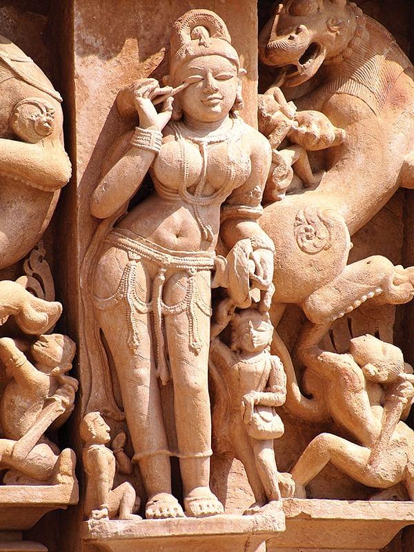 பெண் உடலைப் பேசுவோம்... 2 - ஒழுக்கத்தைத் தீர்மானிப்பதல்ல பெண் பிறப்புறுப்பின் வேலை!