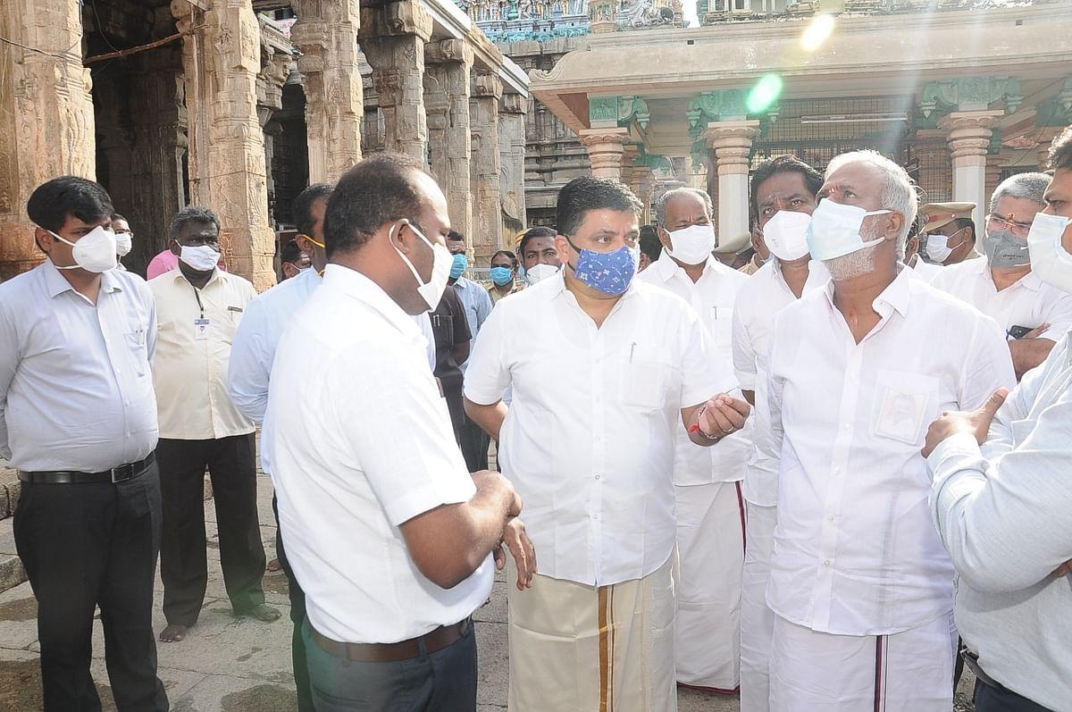 மதுரை மீனாட்சியம்மன் கோயில் ஆய்வில் அமைச்சர் சேகர்பாபு