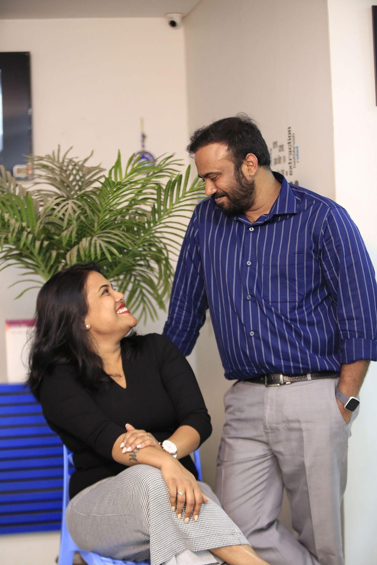 நடிகர் செந்தில் மகன் மணிகண்ட பிரபு, மருமகள் ஜனனி