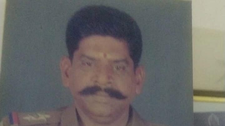 போலீஸ் எஸ்.ஐ கௌதம்