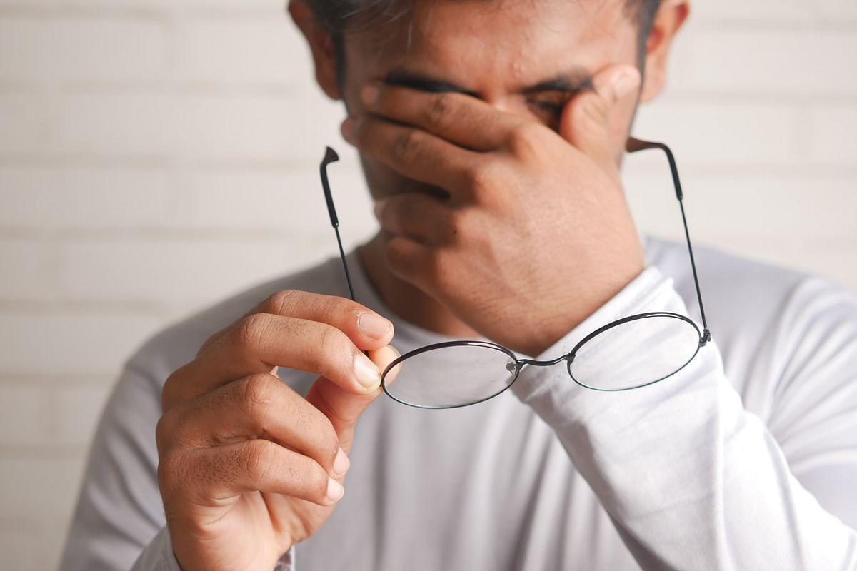 Doctor Vikatan: முக நரம்புகளில் வலி; எனக்கு சித்த மருத்துவம் உதவுமா?