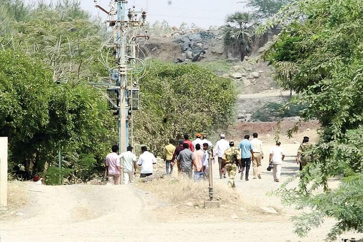 விஜயபாஸ்கர் குவாரி உட்பட 16 குவாரிகள்... கனிமவளத்துறை அதிகாரிகள் திடீர் ஆய்வு!
