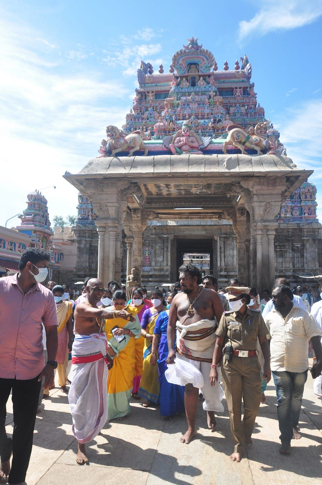தூர்கா ஸ்டாலின் கோயில் வழிபாடு