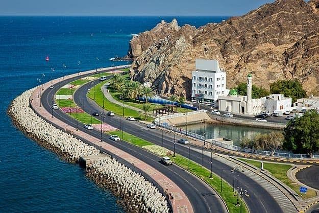 Road along the seashore, Muscat
