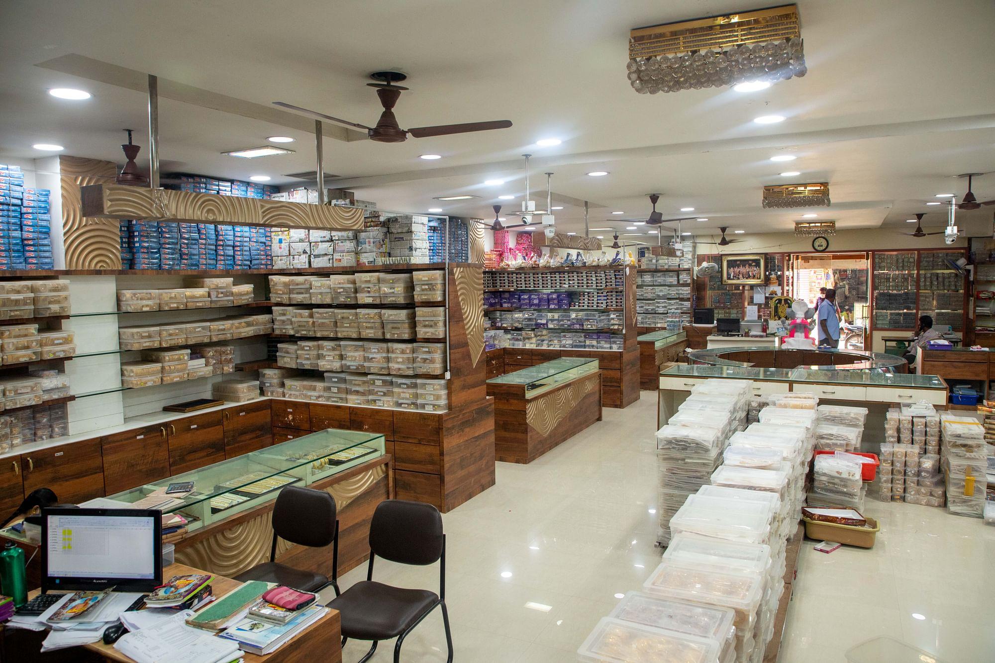 ARA3562 Tamil News Spot