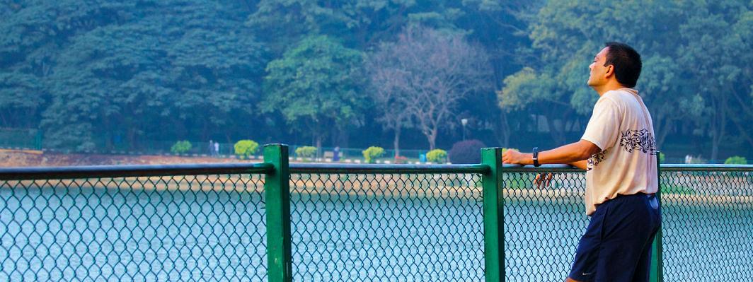 কোভিড-১৯ বৈশ্বিক মহামারীর প্রেক্ষাপটে একাকীত্বকে বোঝা