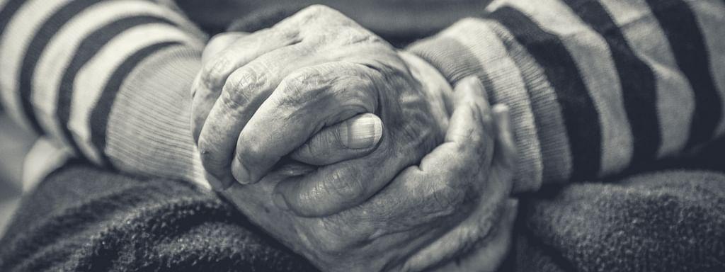 বৃদ্ধ বয়সে অসুস্থ সন্তানদের যত্ন নেওয়া একপ্রকার কষ্টসাধ্য বিষয়