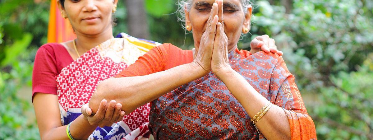 পরিচর্যাকারীর চাপ: রোগীর পাশাপাশি নিজের যত্ন নেওয়া