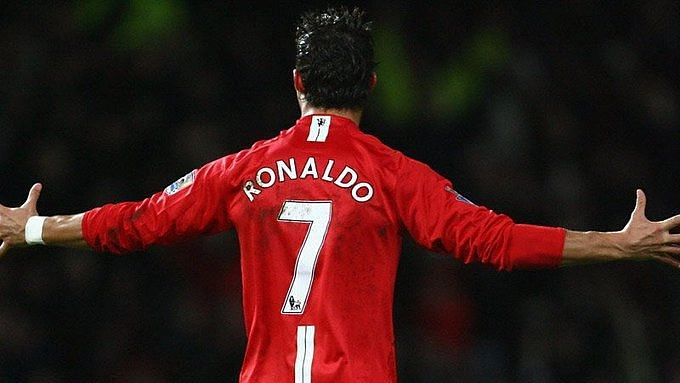 Man Utd in, City out of Ronaldo deal
