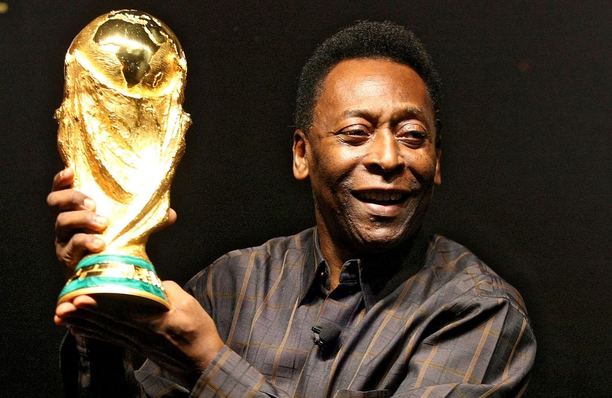 Pele thanks God for feeling very well after colon tumour surgery