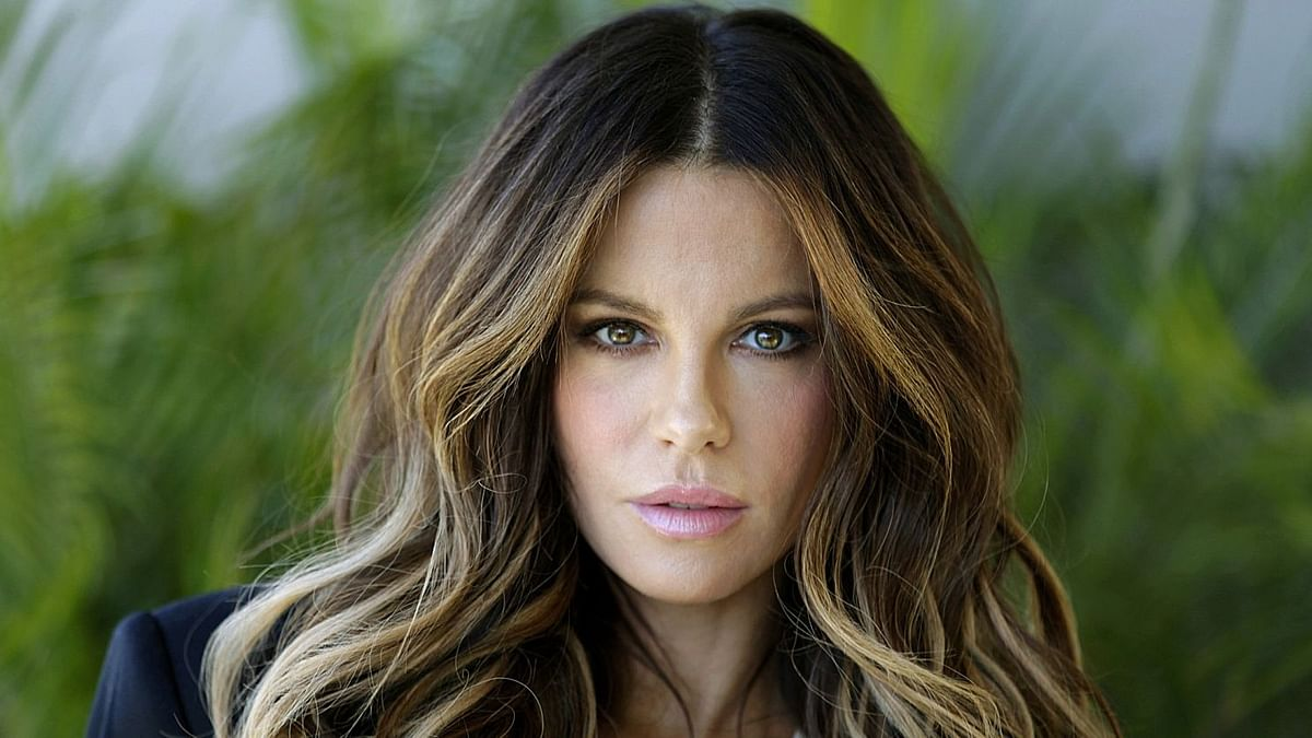 Actress Kate Beckinsale rushed to hospital from Las Vegas movie shoot