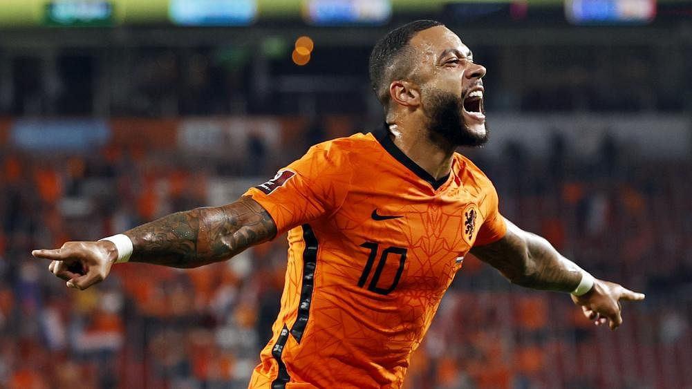 Depay leads Dutch roll, Martial earns France draw in World Cup qualifiers