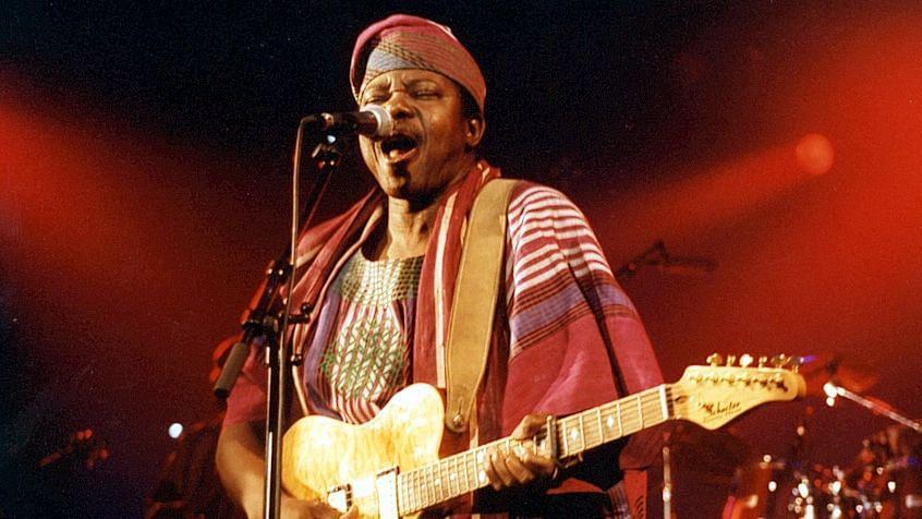 Buhari celebrates King Sunny Adé on 75th birthday