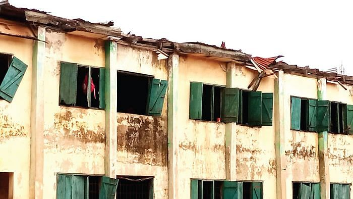 Death trap: Enugu dilapidated school building causes panic, roof collapses on 70 pupils, injures 10