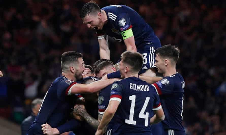 McTominay late show boosts Scotland's World Cup push