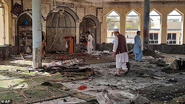 Suicide bomber kills at least 100 in Afghanistan