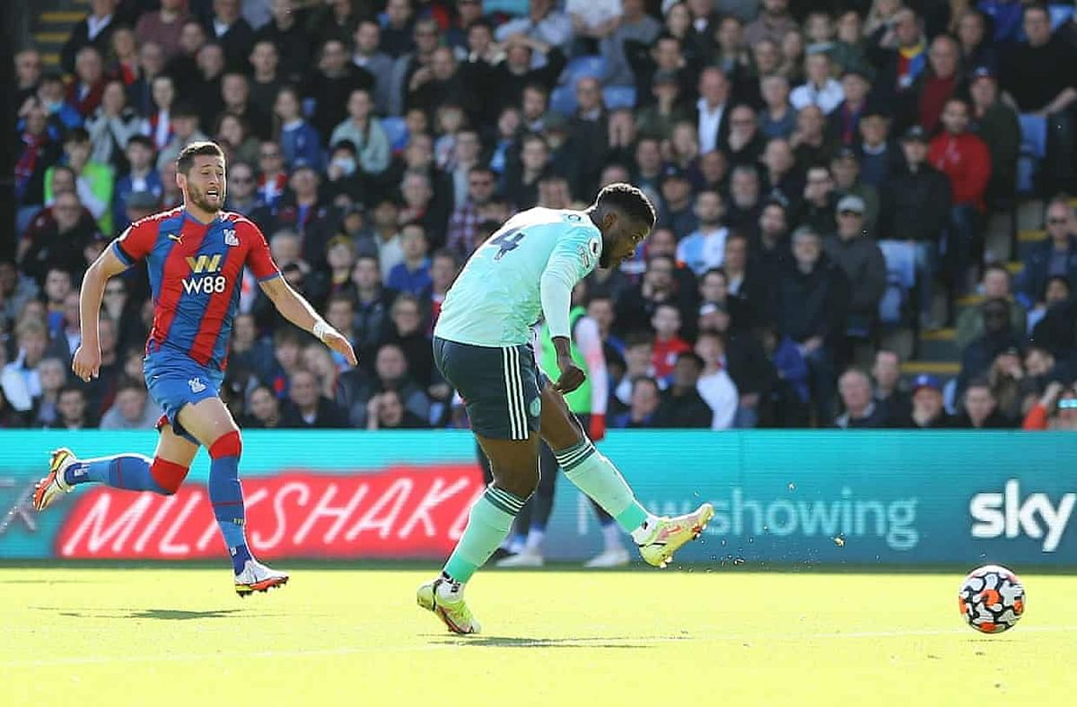 Iheanacho scores as Palace hold Leicester in dramatic draw