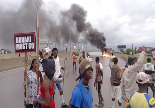 Armed police disperse Buhari-Must-Go protesters