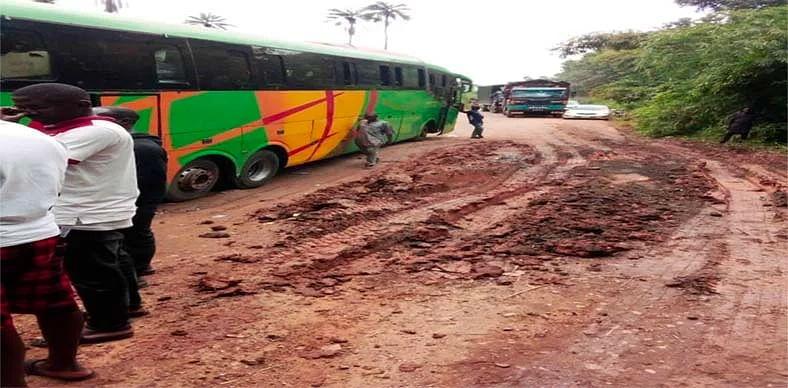 Travellers stranded as vehicles maneuver poor 30km Ado-Akure Road