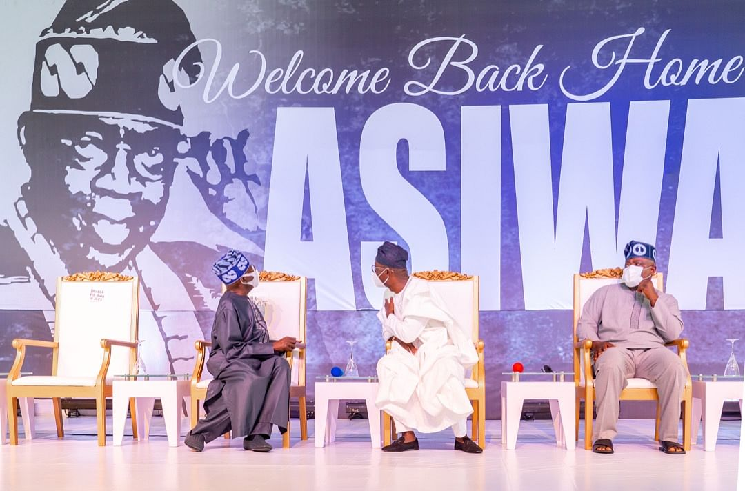 APC National Leader, Asiwaju Bola Tinubu, Lagos State Governor, Mr. Babajide Sanwo-Olu and Speaker of the State House of Assembly, Rt. Hon. Mudashiru Obasa during a welcome-back event for Asiwaju Tinubu at the Lagos House, Marina, on Sunday, October 10, 2021.