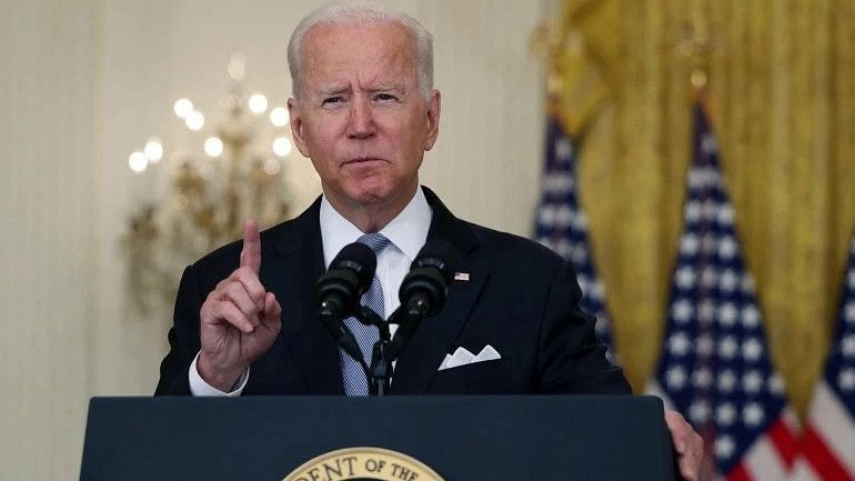 Biden mourns 700k Americans who died of COVID-19