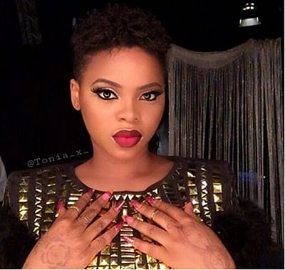VIDEO: Chidinma evangelises at a beer parlour after switching from secular to gospel music