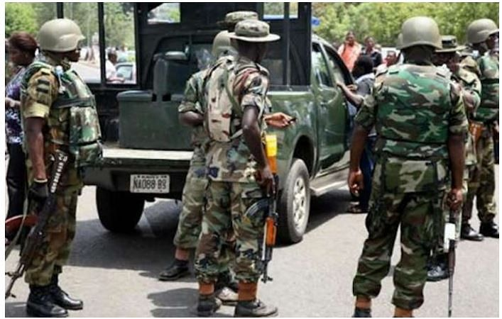 Commuters, traders flee as soldiers take over Oshodi