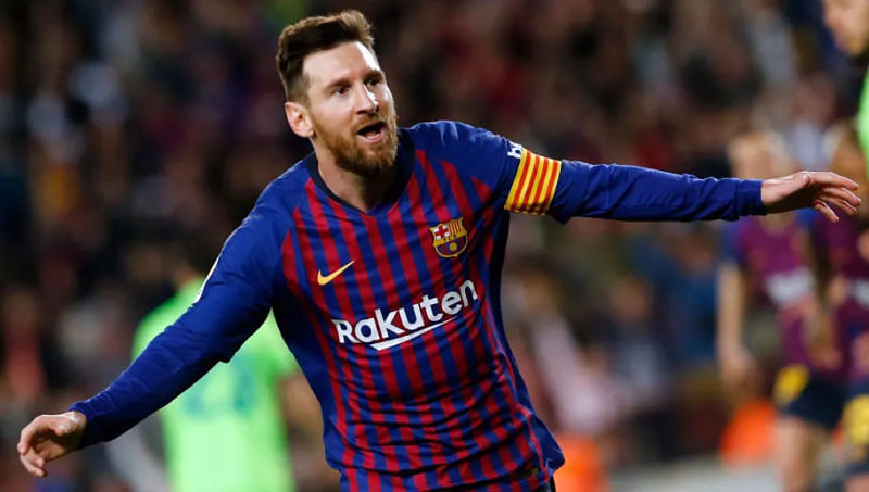 Messi snubs Man City, signs new two-year deal with Barcelona