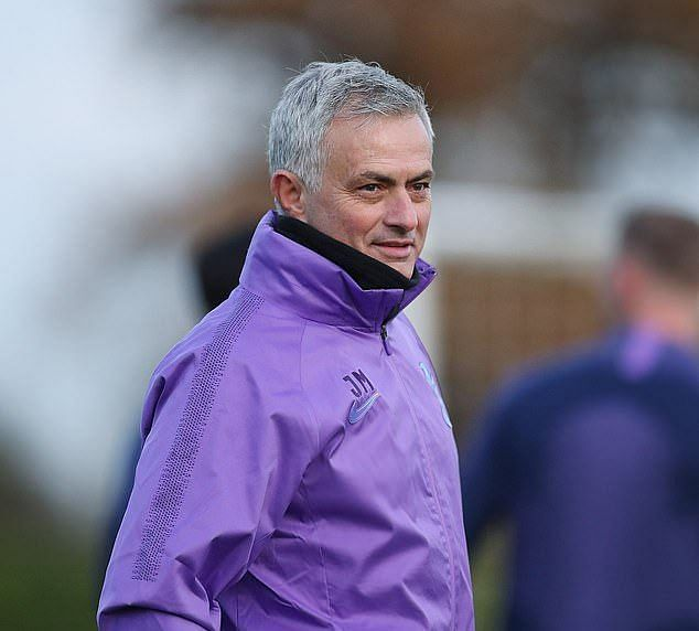 Mourinho to get extra £10m from Tottenham for signing Roma contract