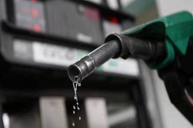 Motorists throng fuel stations in Kaduna as NUPENG joins warning strike